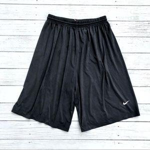 Nike Fit Dry Team athletic drawstring shorts M